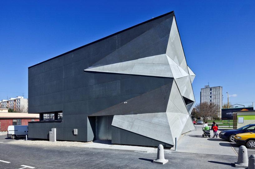 heat-exchanger-vazecka-atrium-studio-designboom06