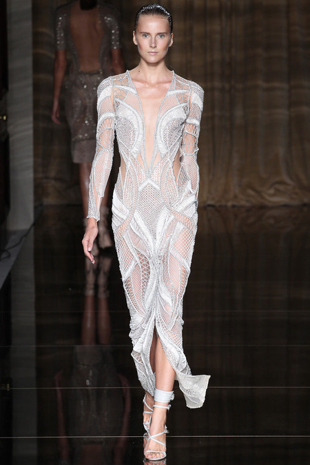LOOK3 SPRING 2014 READY-TO-WEAR Julien Macdonald