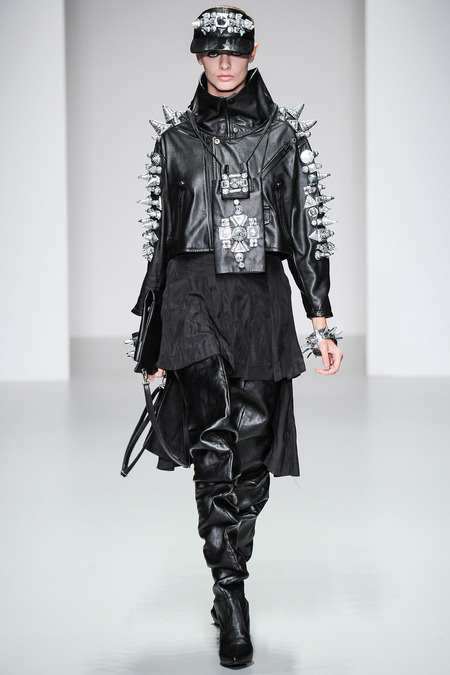 LOOK39 SPRING 2014 READY-TO-WEAR KTZ