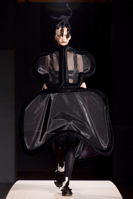 LOOK1 SPRING 2014 READY-TO-WEAR Comme des Garçons