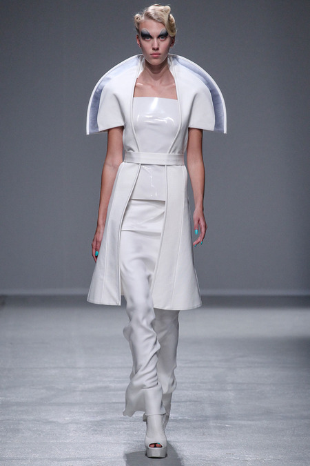 LOOK37 SPRING 2014 READY-TO-WEAR Gareth Pugh Juliana Schurig (ELITE)