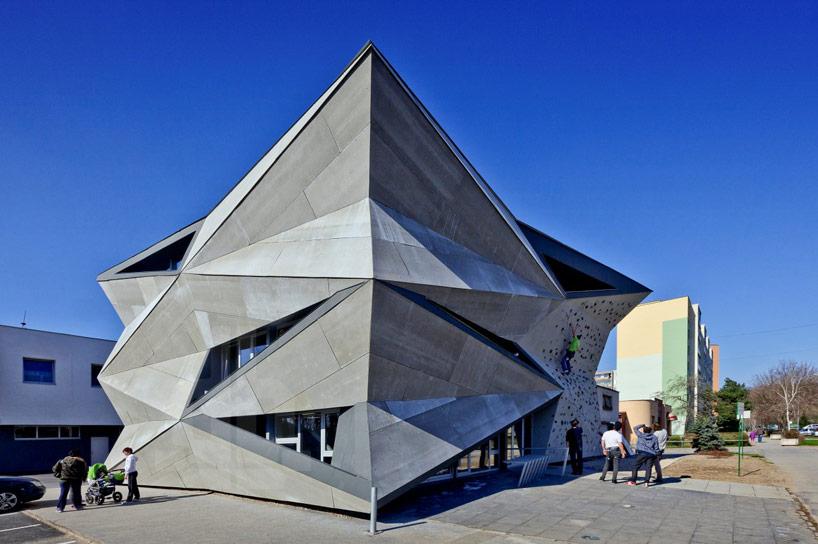 heat-exchanger-vazecka-atrium-studio-designboom02