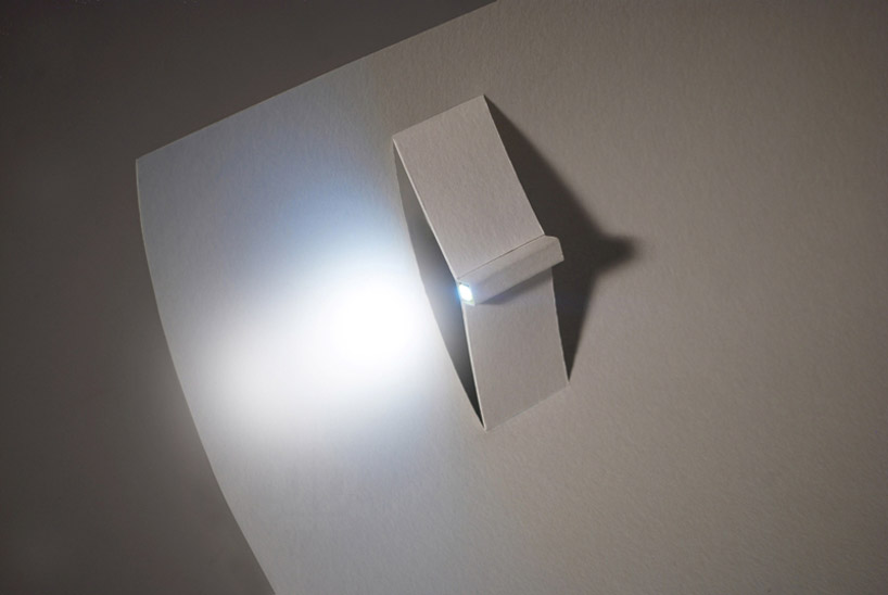 paper-LED-torch-light-designboom02