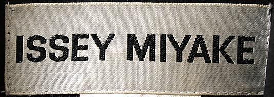 Jacket, 1991 Issey Miyake (Japanese, born 1938)-2005.323.10_label