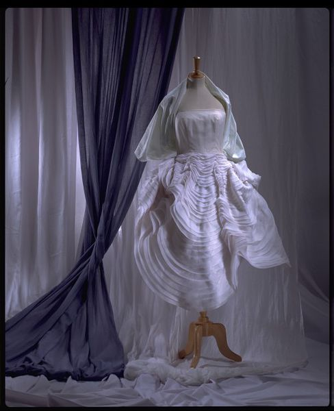 #ThrowbackFashion Seashell Dress, 1988 - John Galliano-2006AU1676_jpg_l - Copy