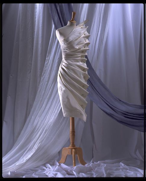 #ThrowbackFashion Evening dress 'Bird's Wing' of white silk taffeta, designed by Antony Price, England, 1986-2006AU1675_jpg_l