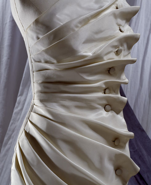 #ThrowbackFashion Evening dress 'Bird's Wing' of white silk taffeta, designed by Antony Price, England, 1986-2006BC1929_jpg_l