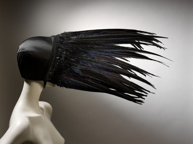 #ThrowbackFashion Kiss of death, black satin bonnet with pheasant feathers, designed by Jo Gordan, Britain, 1994-2008BU3474_jpg_l
