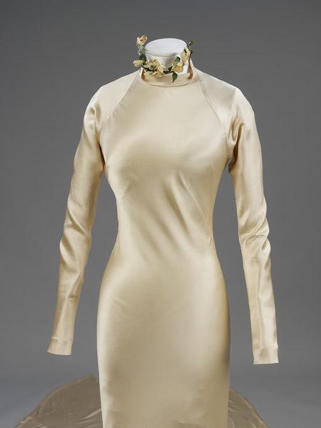 Wedding dress of silk satin by Charles James- England- 1934-2010EG1753_jpg_l
