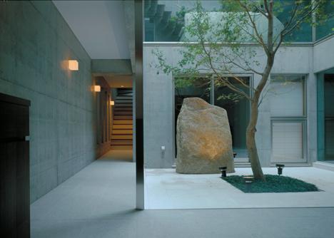 F-House-by-Yukio-Hashimoto_dezeen_5