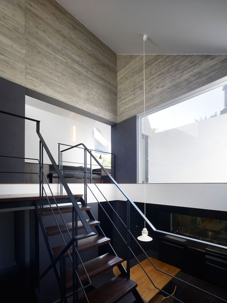 Shirokane-House-by-MDS_dezeen_7