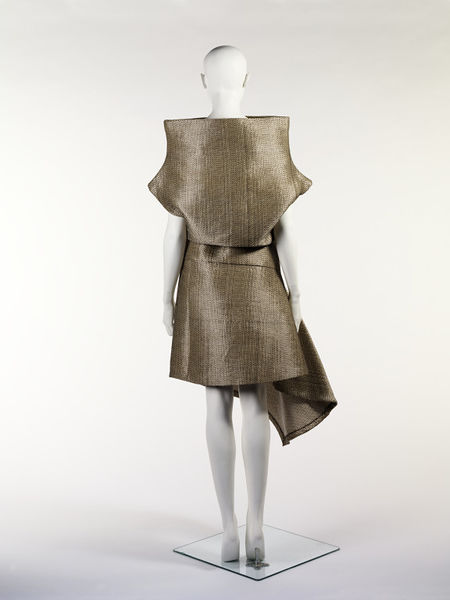 #ThrowbackFashion Raffia Dress designed by Alexander McQueen in Paris, made in Italy, 2000-2011EN2373_jpg_l