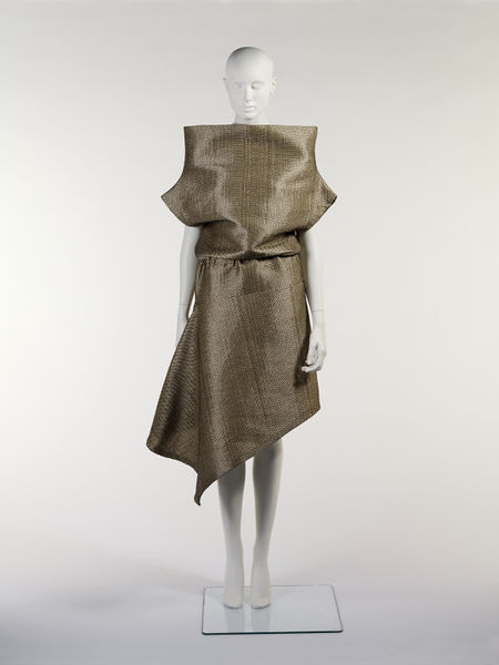 #ThrowbackFashion Raffia Dress designed by Alexander McQueen in Paris, made in Italy, 2000-2011EN2410_jpg_l