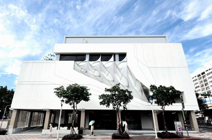Taipei Sales Center - Taiwan, 2015 Dwayne Oyler, Jenny Wu @oylerwu via @designboom for #texture