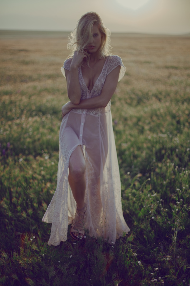 Field-Dreams-Fashion-Editorial-Kimberley-Gordon02
