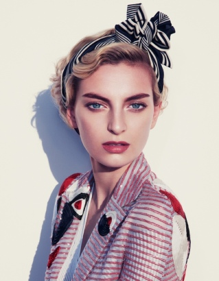 Rose-Smith-Nautical-Fashion-How-Spend-It-Editorial02