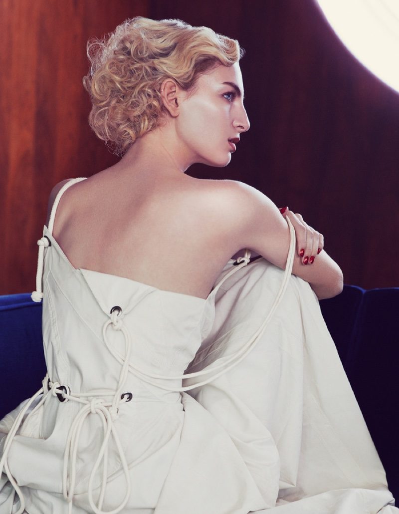 Rose-Smith-Nautical-Fashion-How-Spend-It-Editorial06