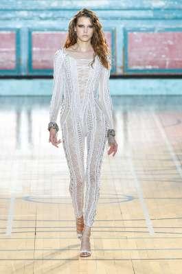julien-macdonald-fashion-week-spring-summer-2017-london-womenswear-004