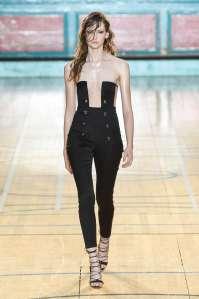 julien-macdonald-fashion-week-spring-summer-2017-london-womenswear-007