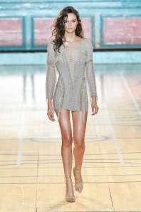julien-macdonald-fashion-week-spring-summer-2017-london-womenswear-008