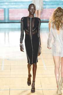 julien-macdonald-fashion-week-spring-summer-2017-london-womenswear-010
