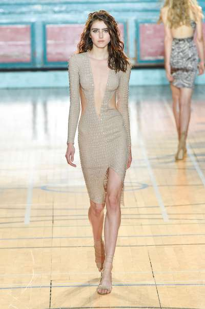 julien-macdonald-fashion-week-spring-summer-2017-london-womenswear-011