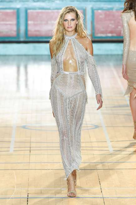 julien-macdonald-fashion-week-spring-summer-2017-london-womenswear-012