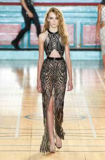 julien-macdonald-fashion-week-spring-summer-2017-london-womenswear-015