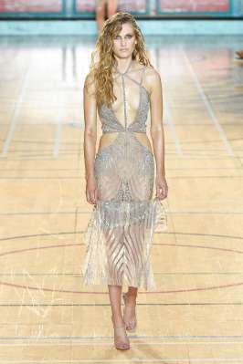 julien-macdonald-fashion-week-spring-summer-2017-london-womenswear-017