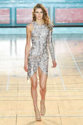 julien-macdonald-fashion-week-spring-summer-2017-london-womenswear-018