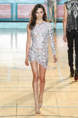 julien-macdonald-fashion-week-spring-summer-2017-london-womenswear-019