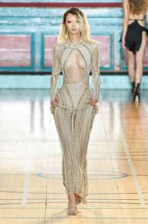 julien-macdonald-fashion-week-spring-summer-2017-london-womenswear-021