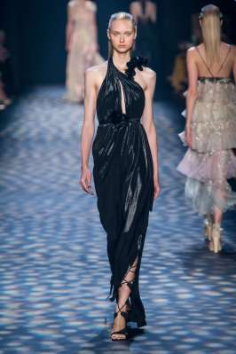 marchesa-catwalks-spring-summer-2017-new-york-womenswear-017