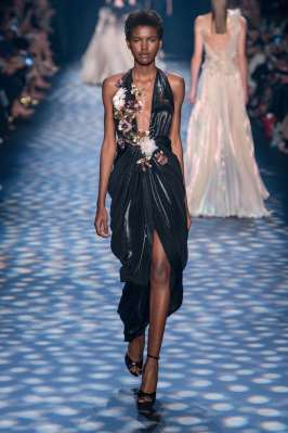 marchesa-catwalks-spring-summer-2017-new-york-womenswear-019