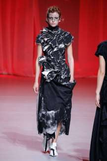 aganovich-fashion-week-spring-summer-2017-paris-womenswear-027