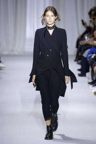ann-demeulemeester-fashion-week-spring-summer-2017-paris-womenswear-001