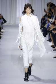 ann-demeulemeester-fashion-week-spring-summer-2017-paris-womenswear-007