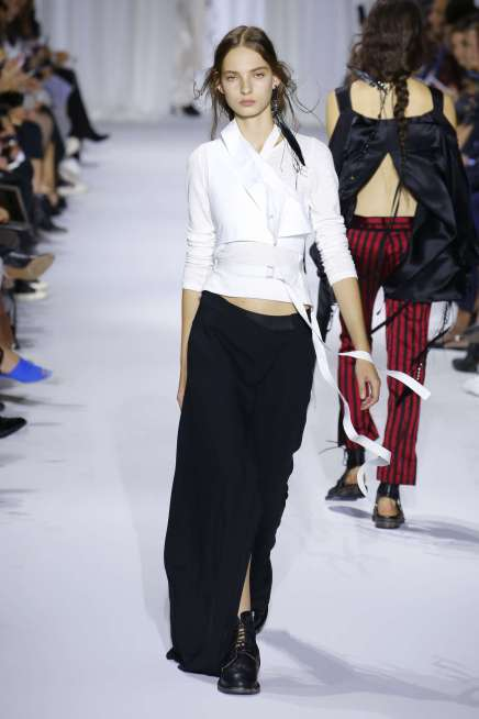 ann-demeulemeester-fashion-week-spring-summer-2017-paris-womenswear-011