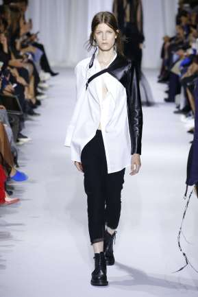 ann-demeulemeester-fashion-week-spring-summer-2017-paris-womenswear-019