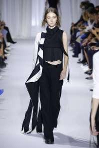 ann-demeulemeester-fashion-week-spring-summer-2017-paris-womenswear-023