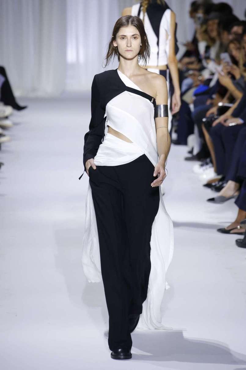 ann-demeulemeester-fashion-week-spring-summer-2017-paris-womenswear-026