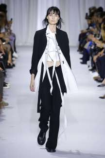 ann-demeulemeester-fashion-week-spring-summer-2017-paris-womenswear