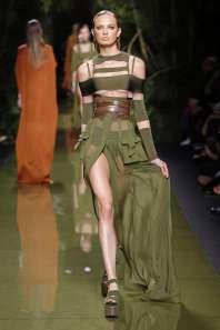 balmain-fashion-week-spring-summer-2017-paris-womenswear-001