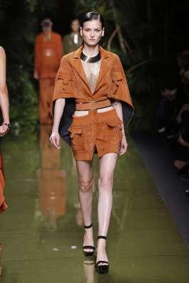 balmain-fashion-week-spring-summer-2017-paris-womenswear-005