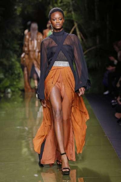 balmain-fashion-week-spring-summer-2017-paris-womenswear-011
