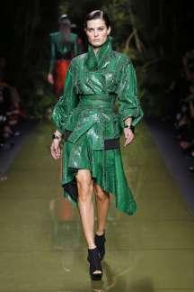 balmain-fashion-week-spring-summer-2017-paris-womenswear-016