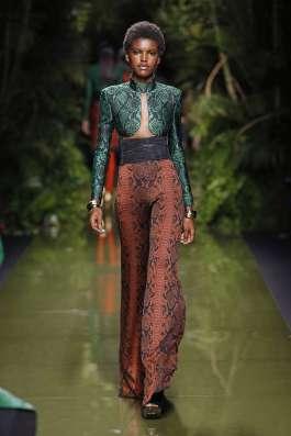 balmain-fashion-week-spring-summer-2017-paris-womenswear-017