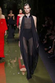 balmain-fashion-week-spring-summer-2017-paris-womenswear-026