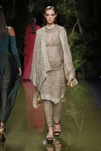 balmain-fashion-week-spring-summer-2017-paris-womenswear-035