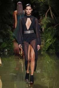 balmain-fashion-week-spring-summer-2017-paris-womenswear-036